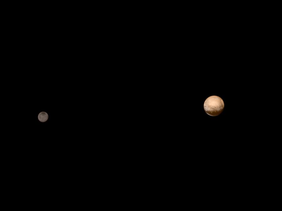 Plutone e Caronte ripresi dalla sonda New Horizon in avvicinamento al pianeta nano.Crediti: NASA-JHUAPL-SWRI