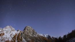 Rocca di Pratolungo (Vallone del Preit – Val Maira). Panorama al chiaro di Luna.