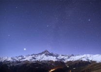 Monviso e Venere al chiaro di Luna