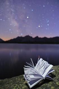 Libro Cent mille milliards de poemes riflessi lago lac laramon val della clarée