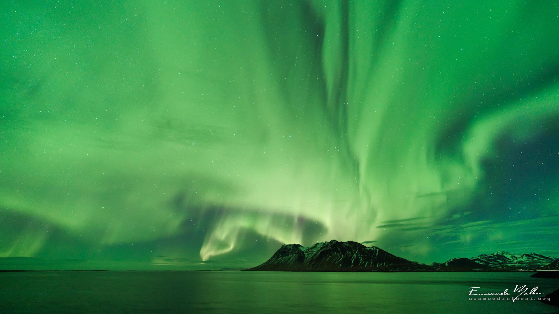 Sfondi cosmo e dintorni for Sfondi desktop aurora boreale