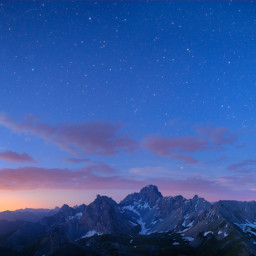Venere e il monte Oronaye (val Maira) poco prima del sorgere del Sole.