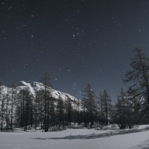 Orion se lève au clair de Lune.