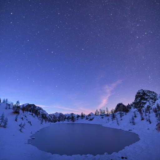 Panorama del Lago Nero al crepuscolo.